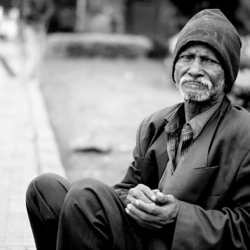 image-poor-homeless-1775239_1920